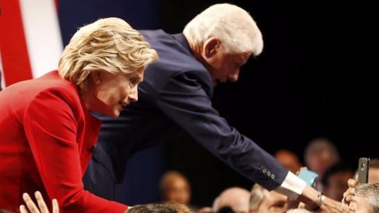 hillary-y-bill-clinton-usa-election-debate