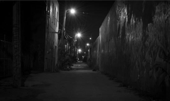 callejon-en-la-noche