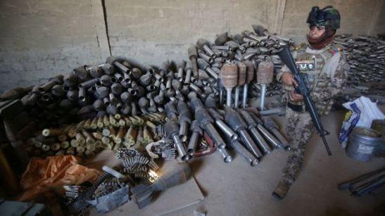 las-fuerzas-iraquies-han-hallado-enormes-depositos-de-armas-en-las-localidades-arrebatadas-a-ei