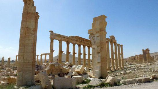 bombardeos-islamico-retirarse-historica-palmira_980012668_118654682_667x375