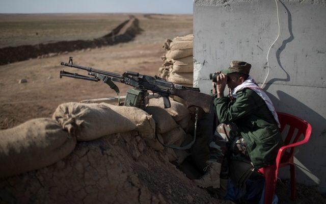 north of Mosul, Iraq, Wednesday, Nov. 2, 2016. (AP Photo/Felipe Dana)