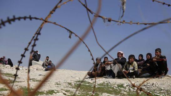 Paramilitares-iraquies-hallado-cientos-cuerpos_1007010822_123966137_667x375
