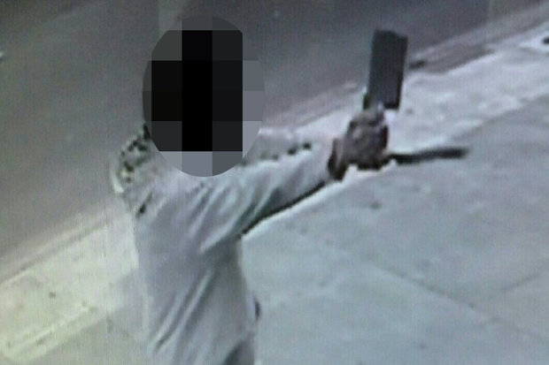 Man-meat-cleaver-large-knife-London-Stamford-Hill-934378