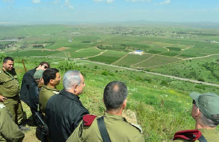 Bibi con las IDF en la frontera con Siria