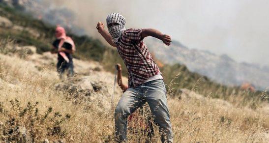 Palestinian_rock_thrower-750x400