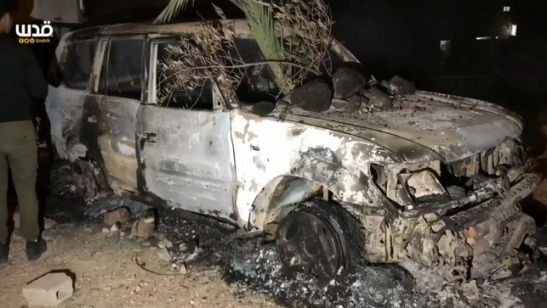 Auto de israeli que entro por error a una aldea árabe