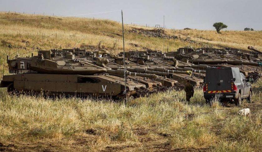 Soldados-israelíes-junto-a-tanques-cerca-de-la-frontera-sirio-israelí-1000x580.jpg